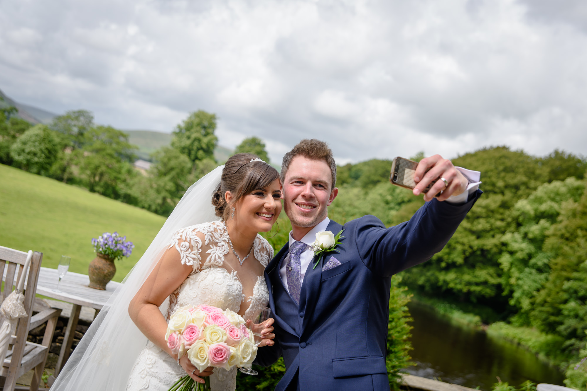 Bride and groom taking a selfie2022.02.20 Catherine and James