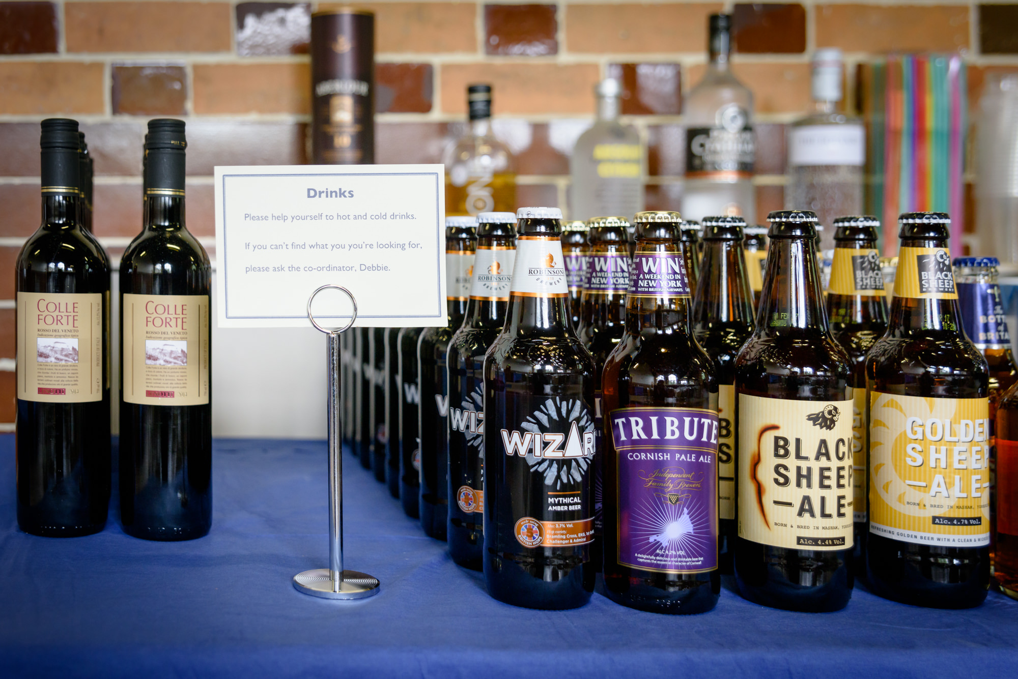 DIY wedding bar with wine and beers