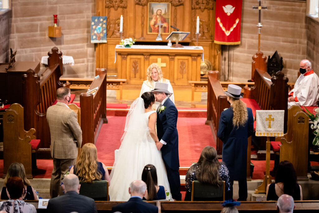 First kiss at st paul's church compstall