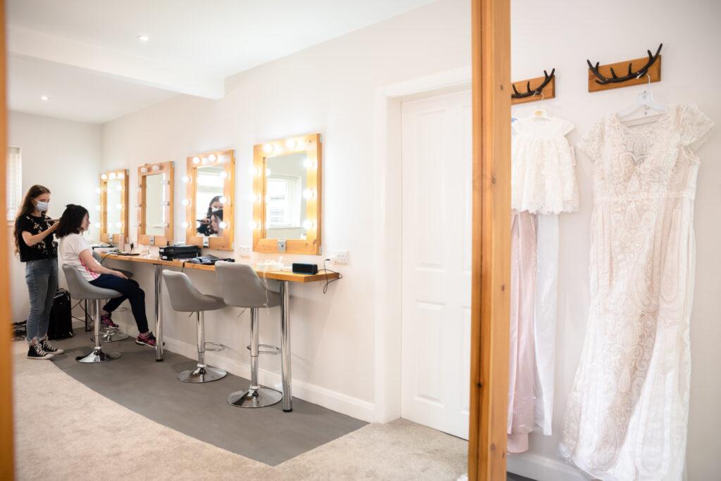 Hanbury Wedding Barn bridal prep room