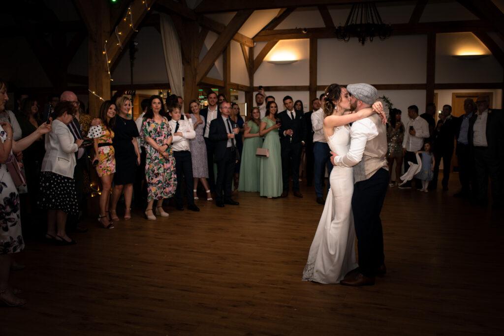 kissing on the dancefloor